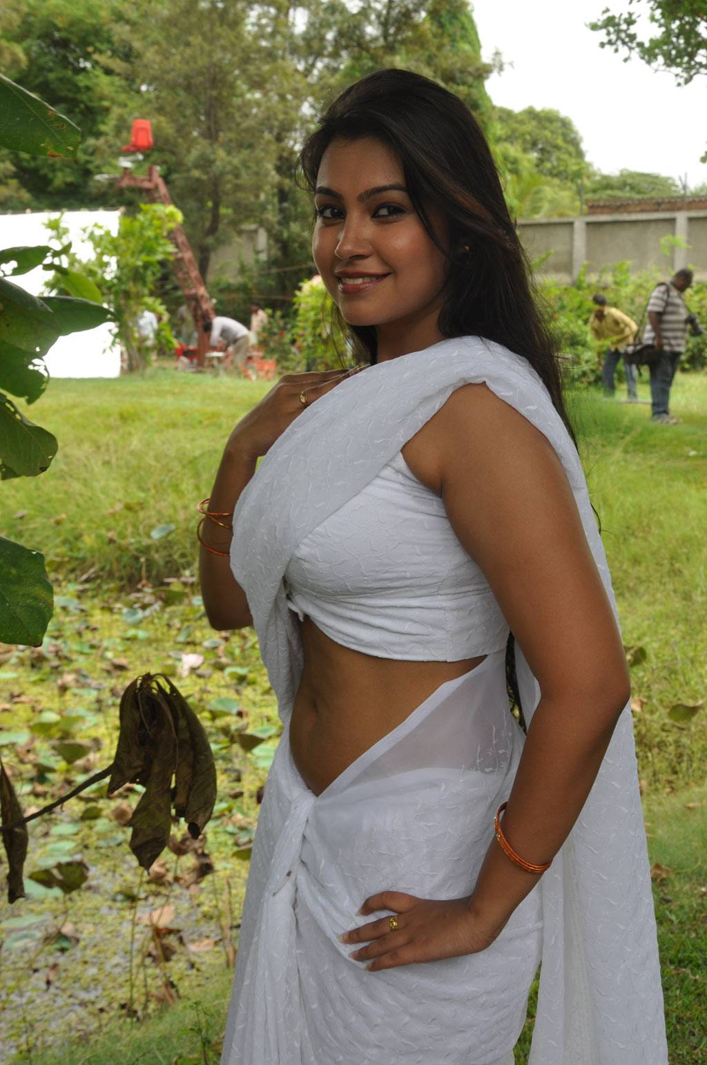 Hot Tamil Actress In White Saree Photos-1534