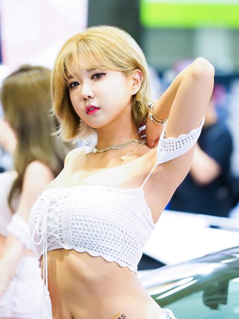 Heo Yoon Mi - Seoul Auto Salon 2017 - very cute asian girl - girlcute4u.blogspot.com (2)