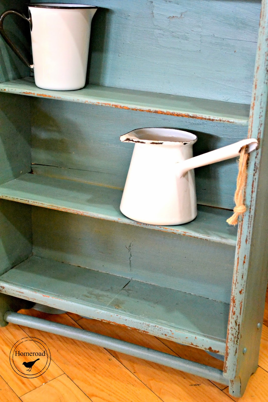 Antique shelf and MMS Paint www.homeroad.net