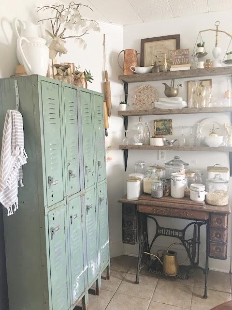 Farmhouse kitchen with lockers