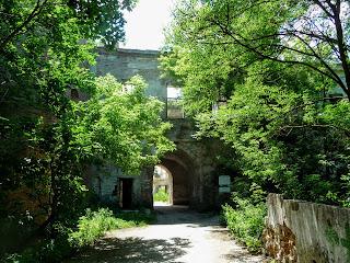 Клевань. Замок Чарторийських. Міст. В'їзд до замку