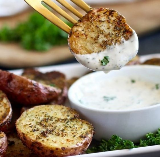 Crispy Garlic Ranch Roasted Potatoes #healthyfood #recipes