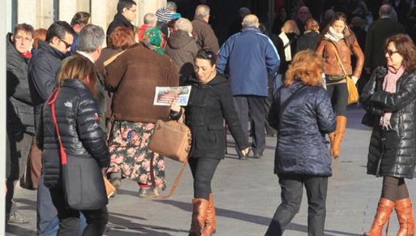 Españoles opinan que situación política del país es muy mala
