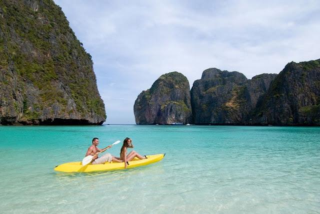 على متن القارب في تايلاند