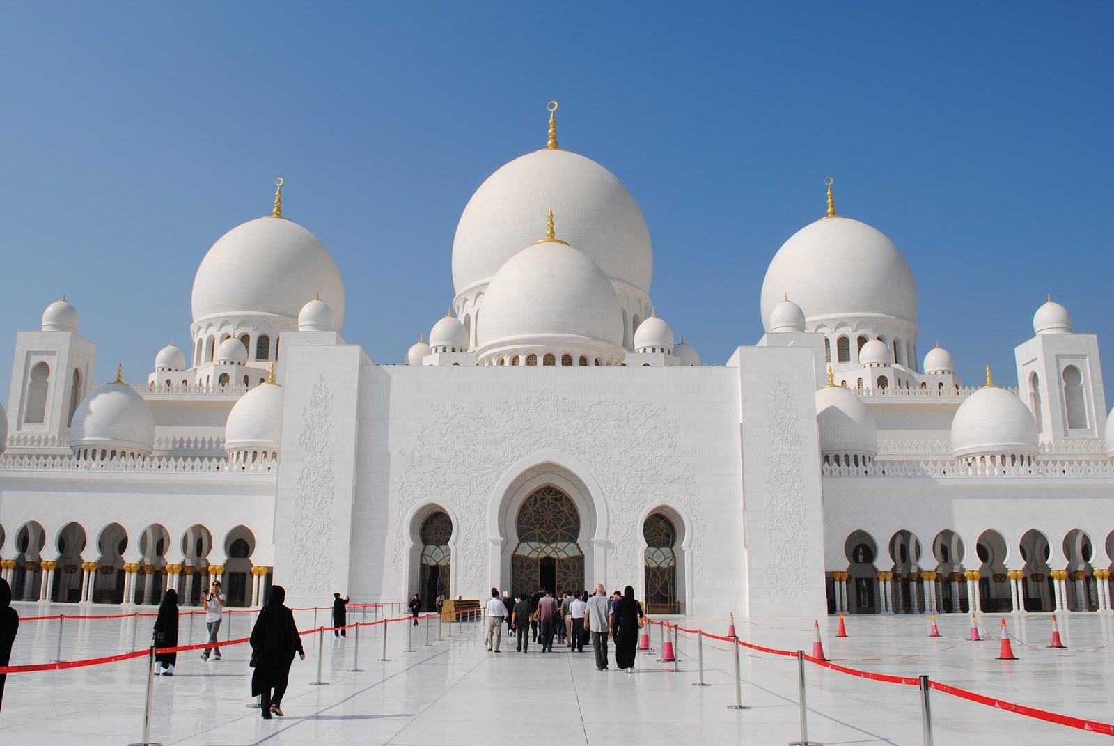 豪華すぎるUAEのシェイク・ザイード・グランド・モスク