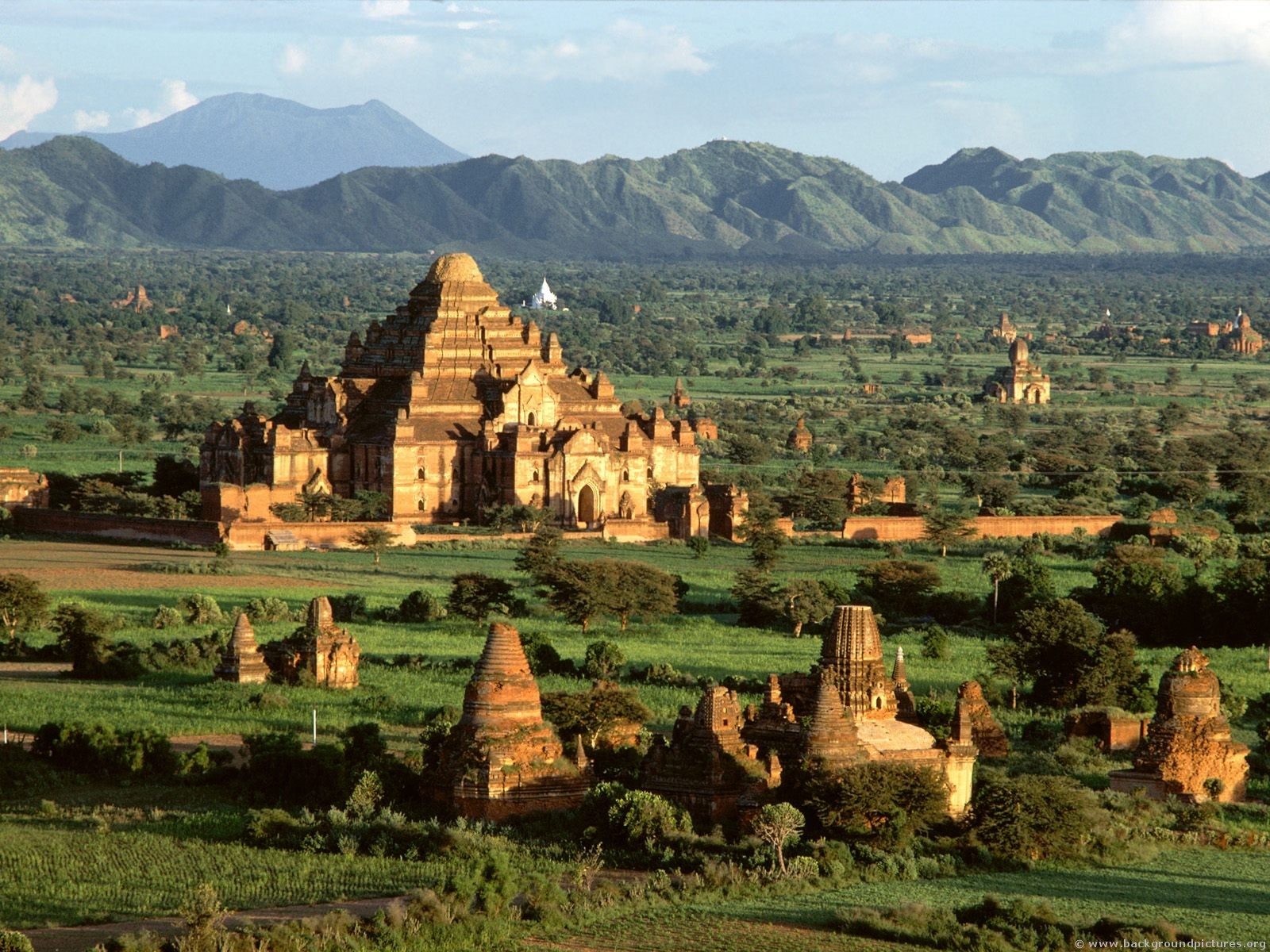 Phoebettmh Travel: (Myanmar) - A dream to the Buddhistic ...