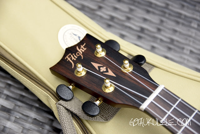 Flight DUC460 Ukulele headstock
