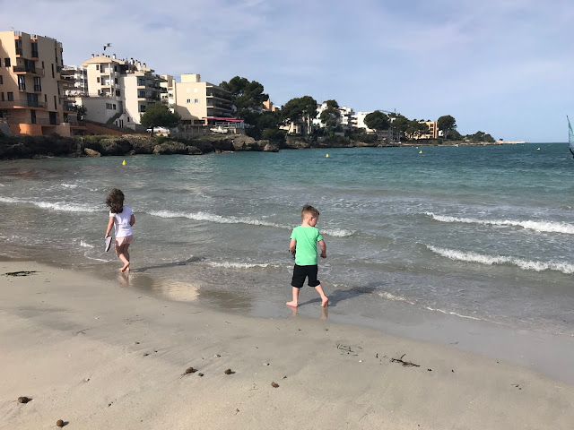 kids at Santa Ponsa beach
