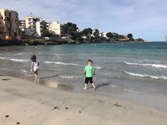 kids at Santa Ponsa beach