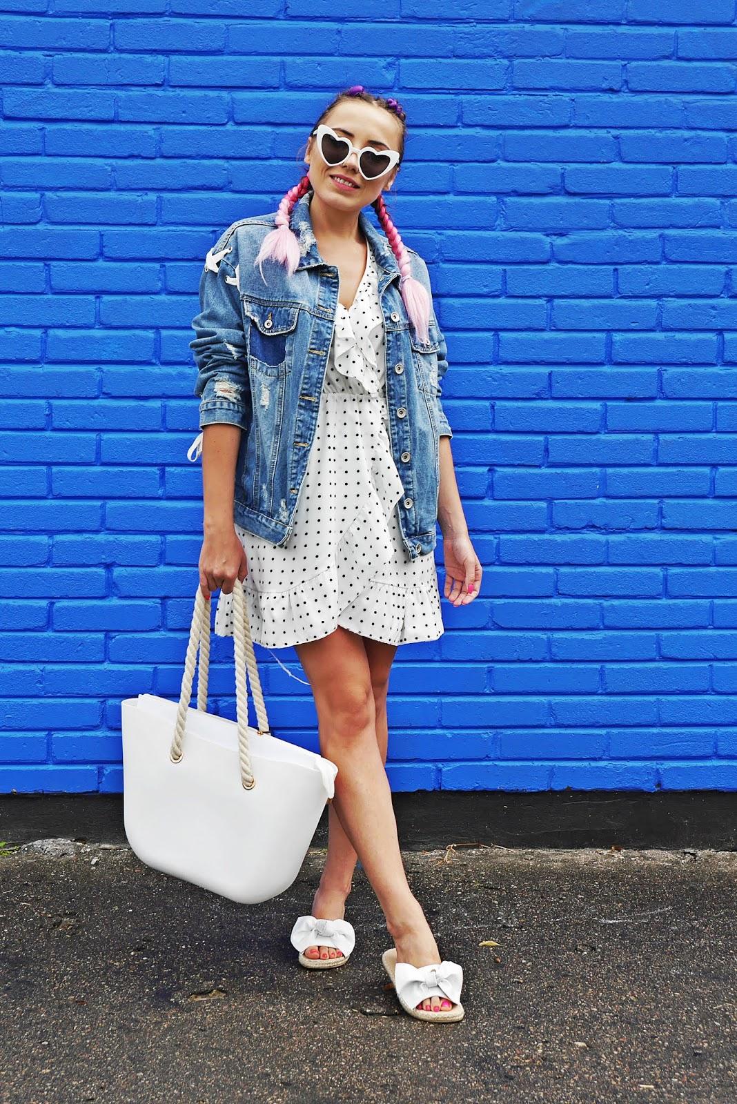 4_sukienka_w_kropki_jeansowa_kurtka_klapki_biale_renee_torebka_obag_karyn_blog_modowy_060818
