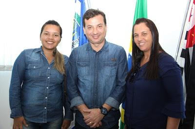 Prefeito Renato Soares atende munícipes em seu gabinete
