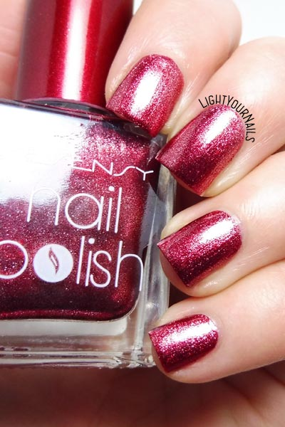 Smalto rosso Yesensy 1526 253 red foil nail polish #nails #unghie #yesensy #lightyournails