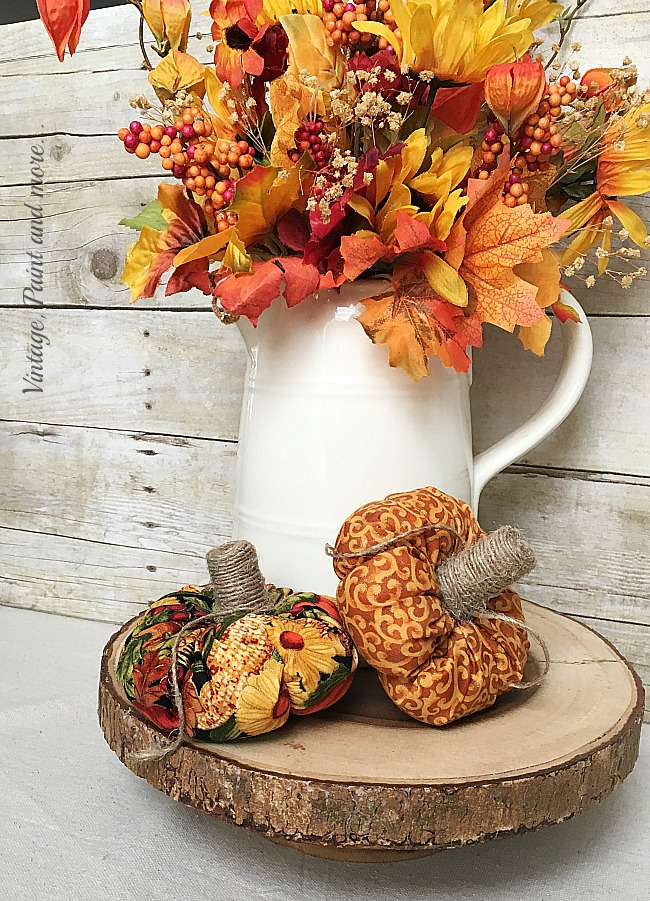 Vintage, Paint and more... pumpkins for the decor made with cotton fabric