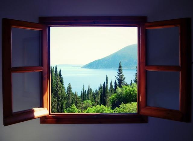 """Paisaje desde la ventana"""