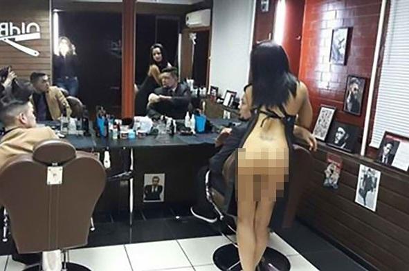wanita penata rambut