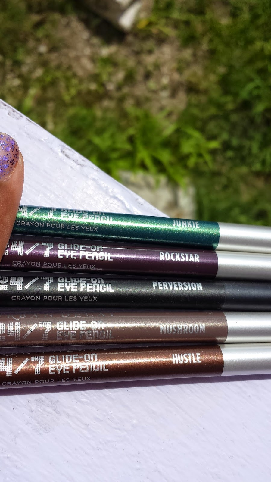 Urban Decay 24/7 Glide-On Eye Pencils - www.modenmakeup.com