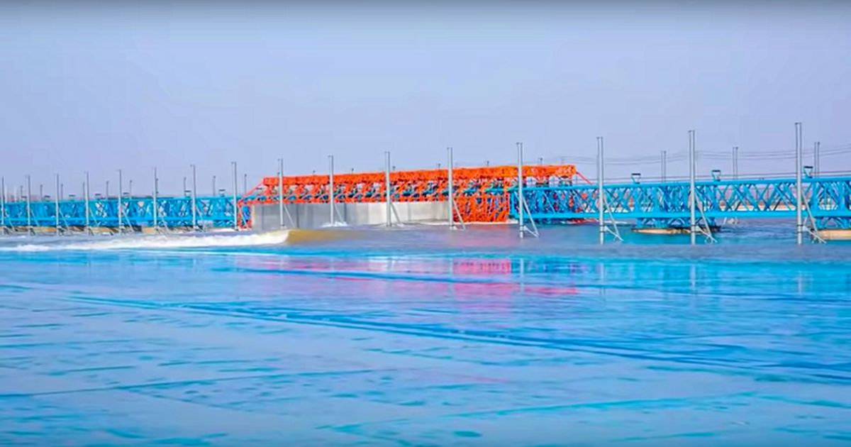 A wave pool in China pumped it s first surfable wave