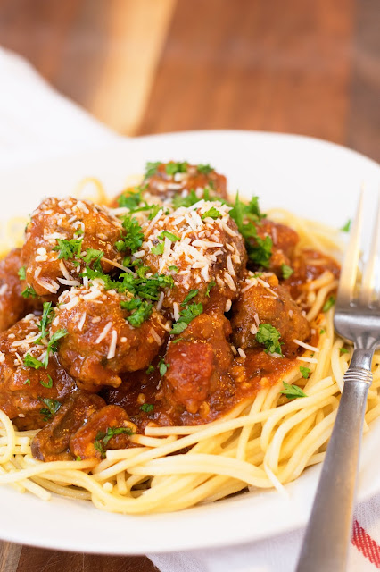 How-to-Make-Homemade-Meatballs-in-Marinara-Sauce-Recipe