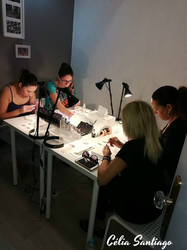 Workshop de Flores em Paint Gel