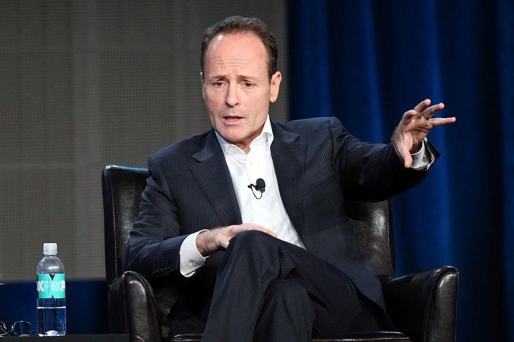 O presidente dos canais FX, John Landgraf, no seminário da TCA (Associação  dos Críticos de Televisão dos Estados Unidos) - Getty Images 6b4331907b