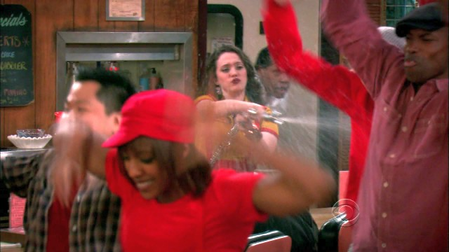 Shakespeare and Crack: 2 Broke Girls - 1x05 - And the 90's