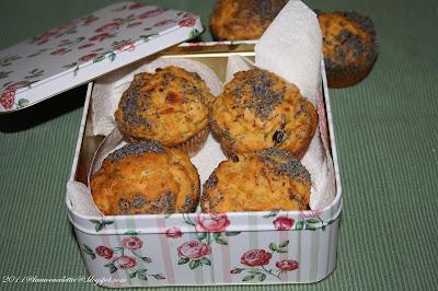Muffin con porri e olive nere