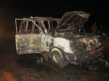 Gia Lai: Bánh chưng Tết cháy đen cùng chiếc xe 7 chỗ