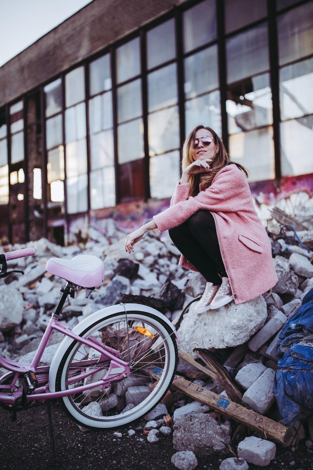 fall street style pink bike