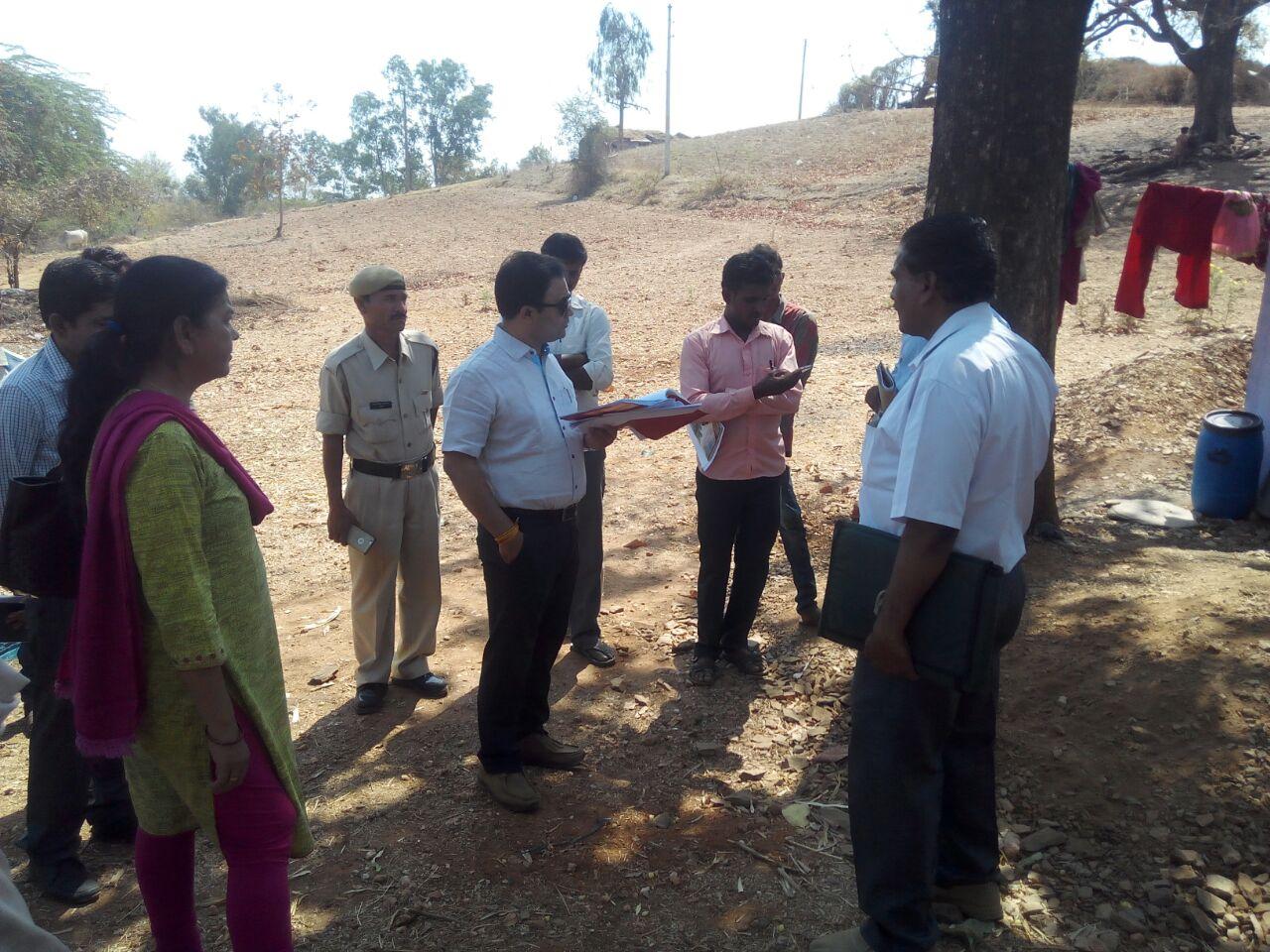 CEO-Zila-Panchayat-visited-the-situation-of-construction-works-Tehsildar-imposed-penalty-सीईओ जिला पंचायत ने भ्रमण कर निर्माण कार्यो की स्थिति देखी, तहसीलदार ने अर्थदण्ड आरोपित किया