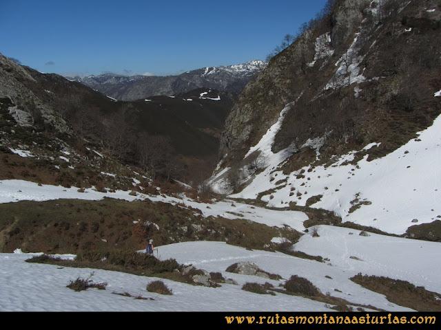Ruta Belerda-Visu La Grande: Bajando por el cauce del arroyo Vallines