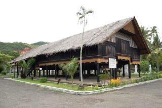 Wisata Ke Rumah Srikandi Aceh (Replika), Cut Nyak Dhien