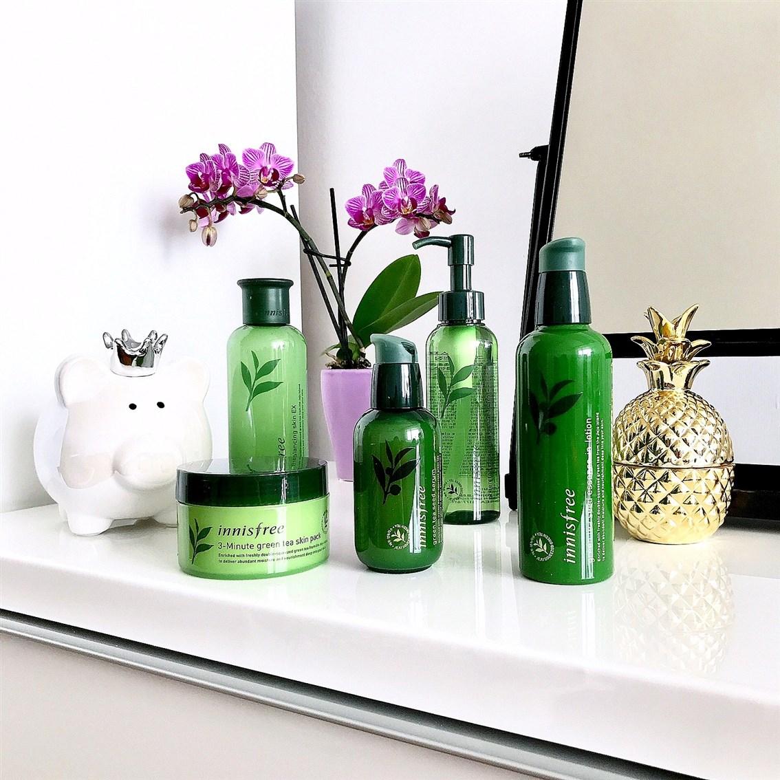zdjęcie przedstawiające linię kosmetyków Green Tea z Innisfree
