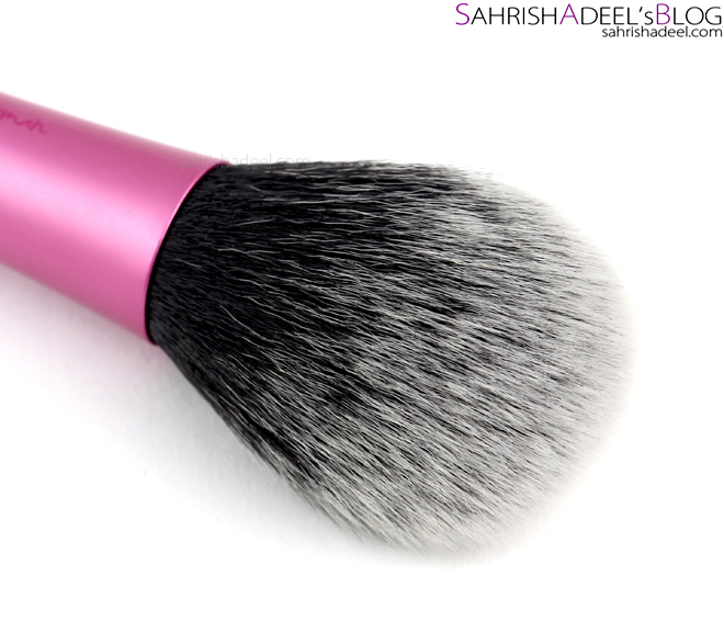 Real Techniques Blush Brush - Review
