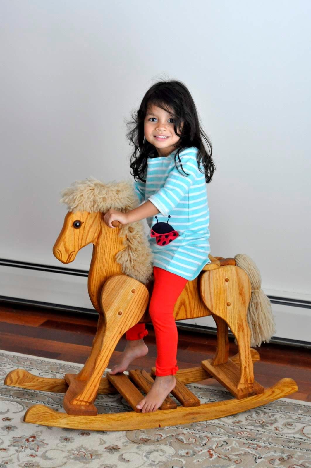 Wooden-Rocking-Horse-tasteasyougo.com
