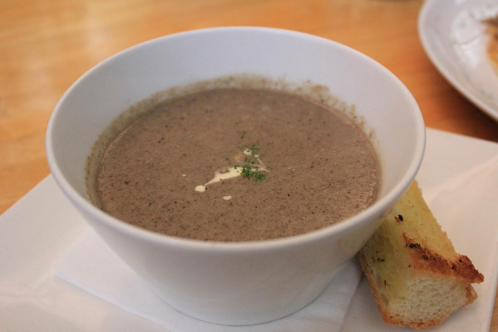 hummingbird-eatery-bandung-mushroom-soup