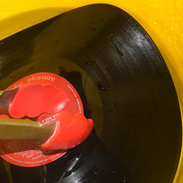 Molding record bowl