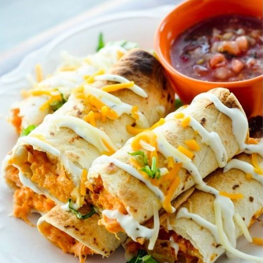 BAKED BUFFFALO CHICKEN TAQUITOS #healthy #slowcooker