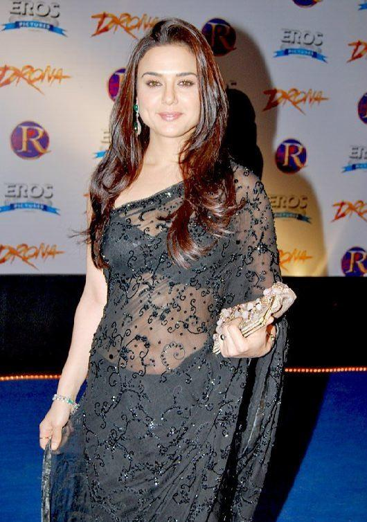 Preity Zinta Hot Pictures In Saree Bollywood Images-7560