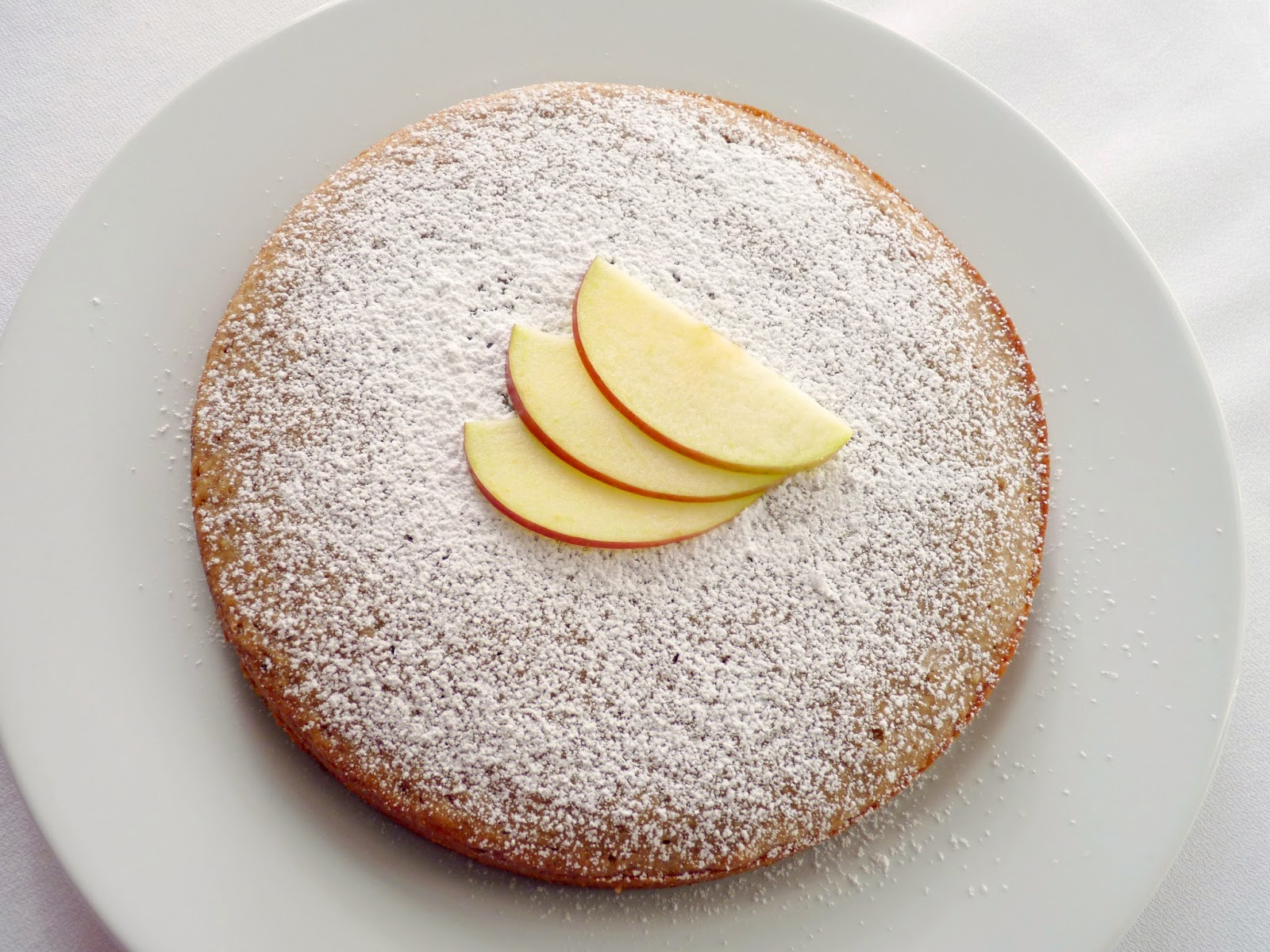 Can Unsweetened Applesauce Be Used In Cake Recipes