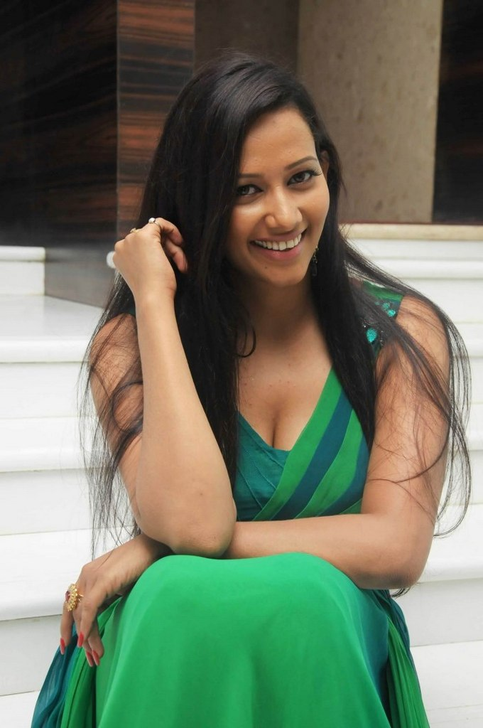 big desi girl sanjana singh hot photos gallery