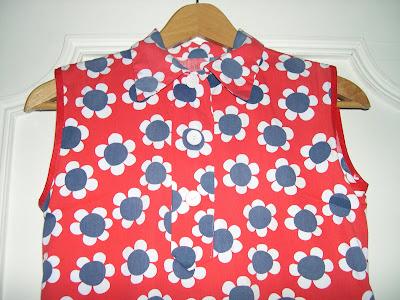 aux habits qui parlent adorable mini robe vintage fin ann es 60 vendue. Black Bedroom Furniture Sets. Home Design Ideas