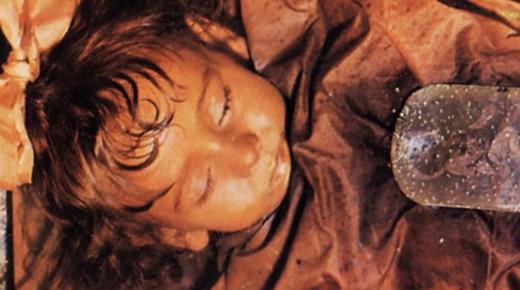 ROSALÍA LOMBARDO: LA NIÑA MOMIA QUE ABRE Y CIERRA LOS OJOS