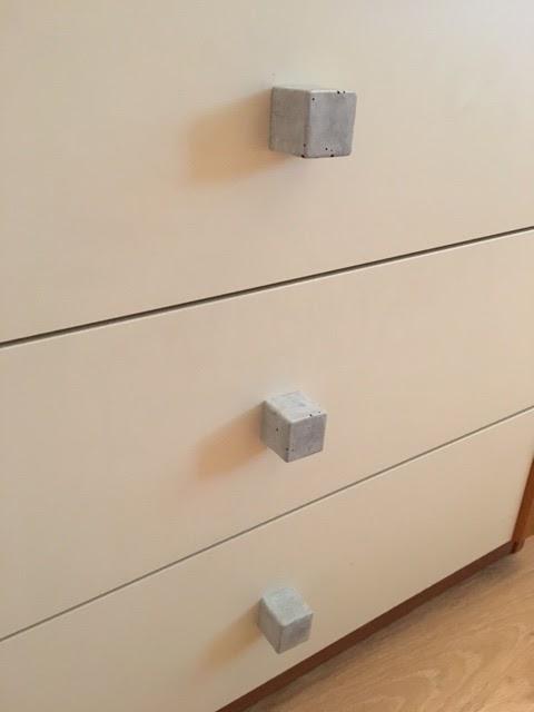 bulles de cerises faire ses boutons ou poign es de porte en b ton c 39 est classe. Black Bedroom Furniture Sets. Home Design Ideas