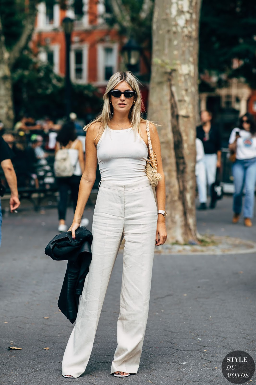 Camille Showcases the Easiest Summer Outfit Formula