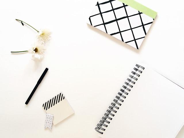 15 coisas que podes pôr na primeira página de um caderno novo