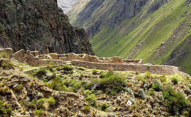 Xvlor.com Patallacta is ruin complex built by Inca Empire and destroyed by Manco