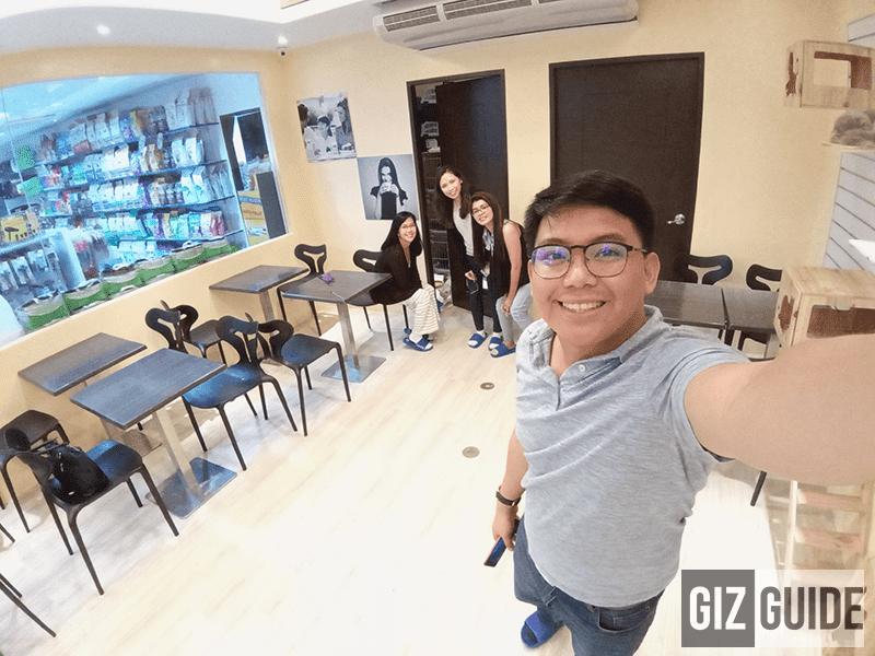 Wide selfie indoor