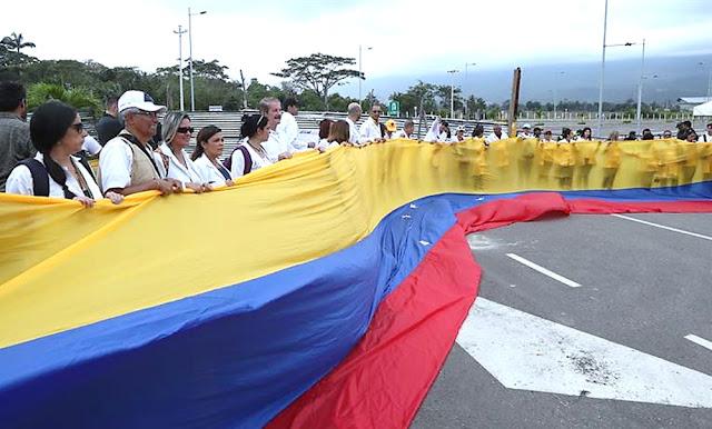Médicos venezolanos en frontera de Colombia