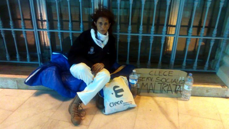 Almeria Hoy. Acampa ante el Ayuntamiento de Garrucha para denunciar un maltrato laboral