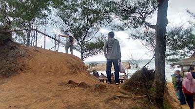 Pantai Sungai Suci